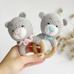 Вязанная погремушка с кольцом Баловень Teddy Bear